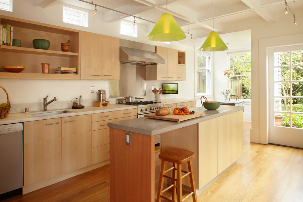 all-wood-kitchen-cabinets-maple