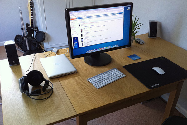 home-office-desk-workspace