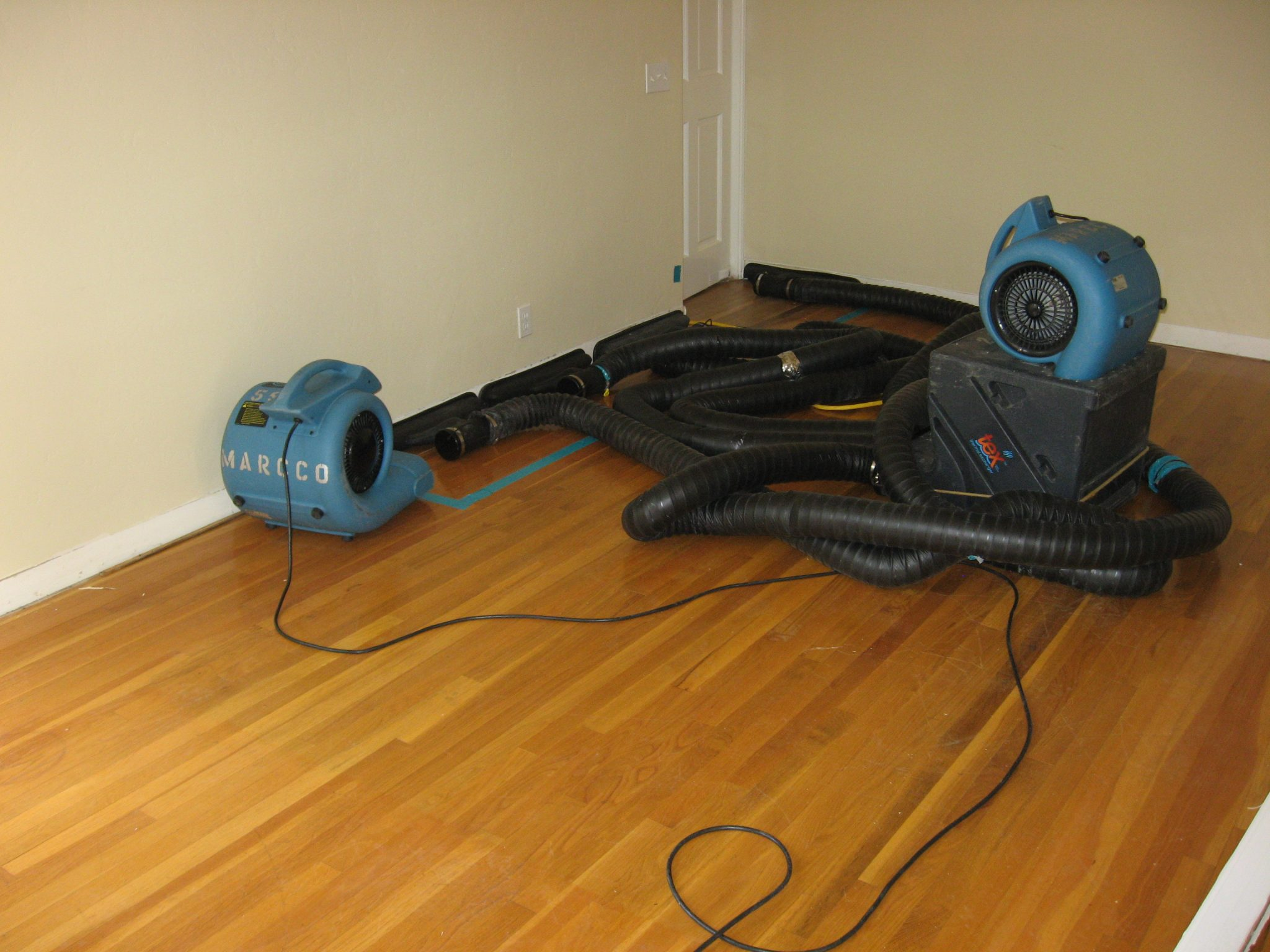 water-damaged-hard-wood-floors-drying