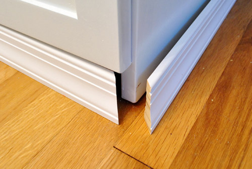 cabinet-bottom-molding