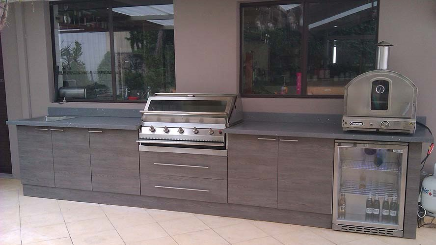 best-outdoors-kitchen