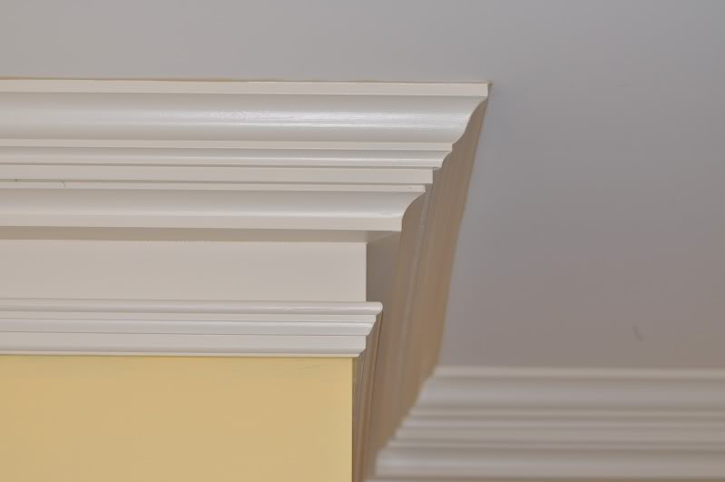 kitchen-cabinet-crown-molding-remodeling