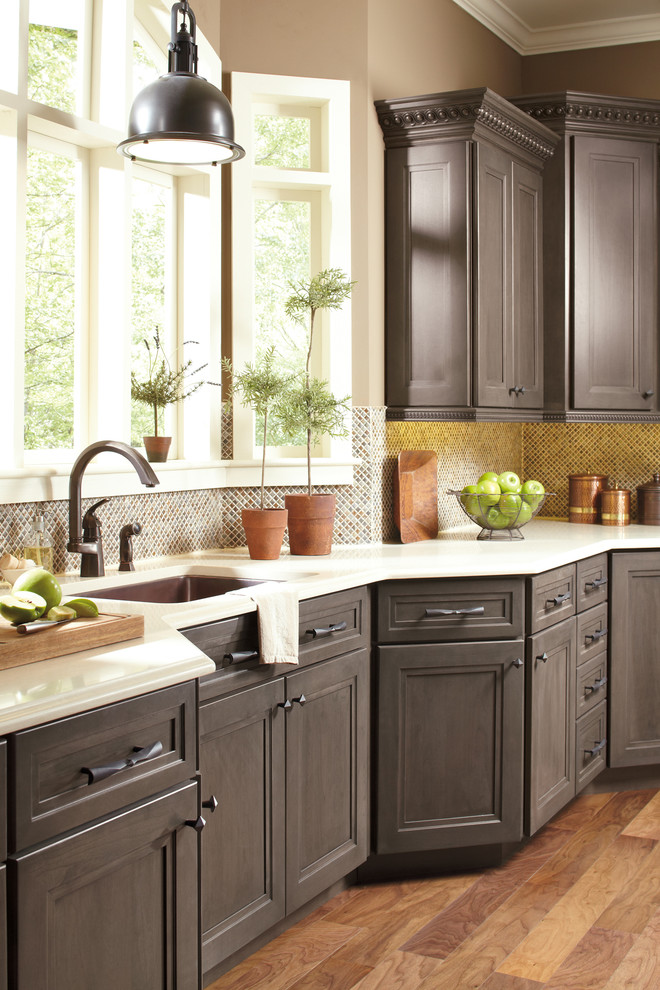 frames-and-frameless-american-cabinets-shaker