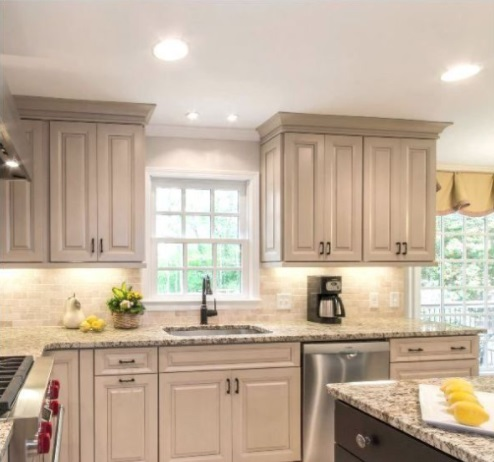 cabinets-matching-crown-molding