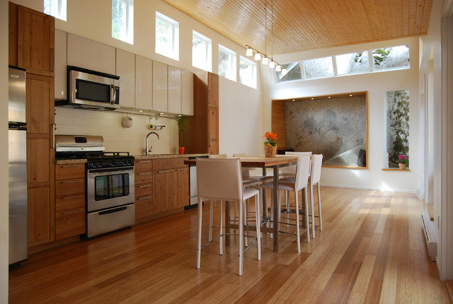 modern-wood-open-i-shaped-kitchen