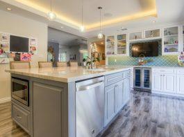 kitchen-wall-mounted-tv