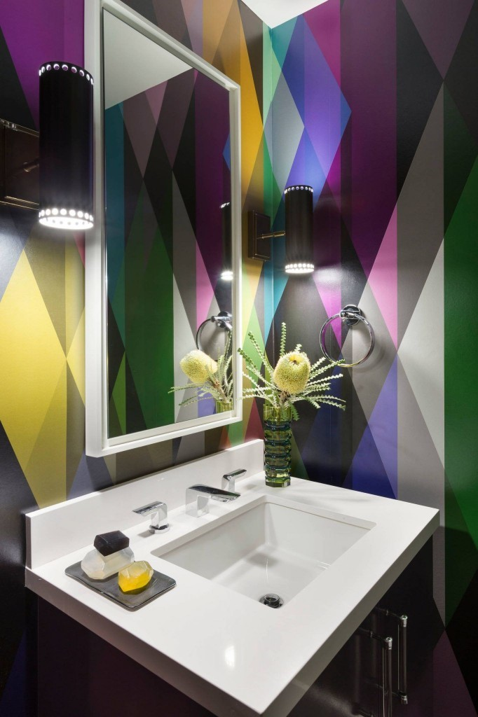 crazy-color-designed-background-wallpaper-for-bathrooms