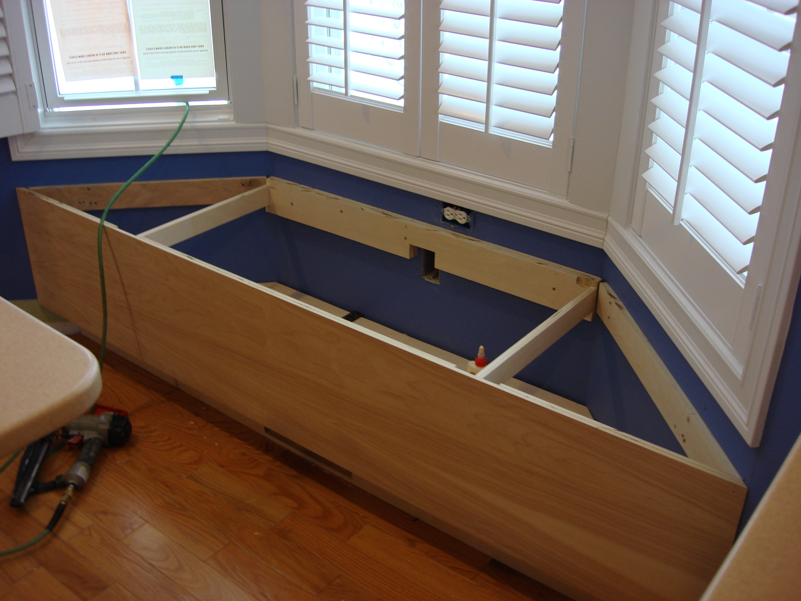 Cool Building A Window Seat My Ideal Home Alphanode Cool Chair Designs And Ideas Alphanodeonline