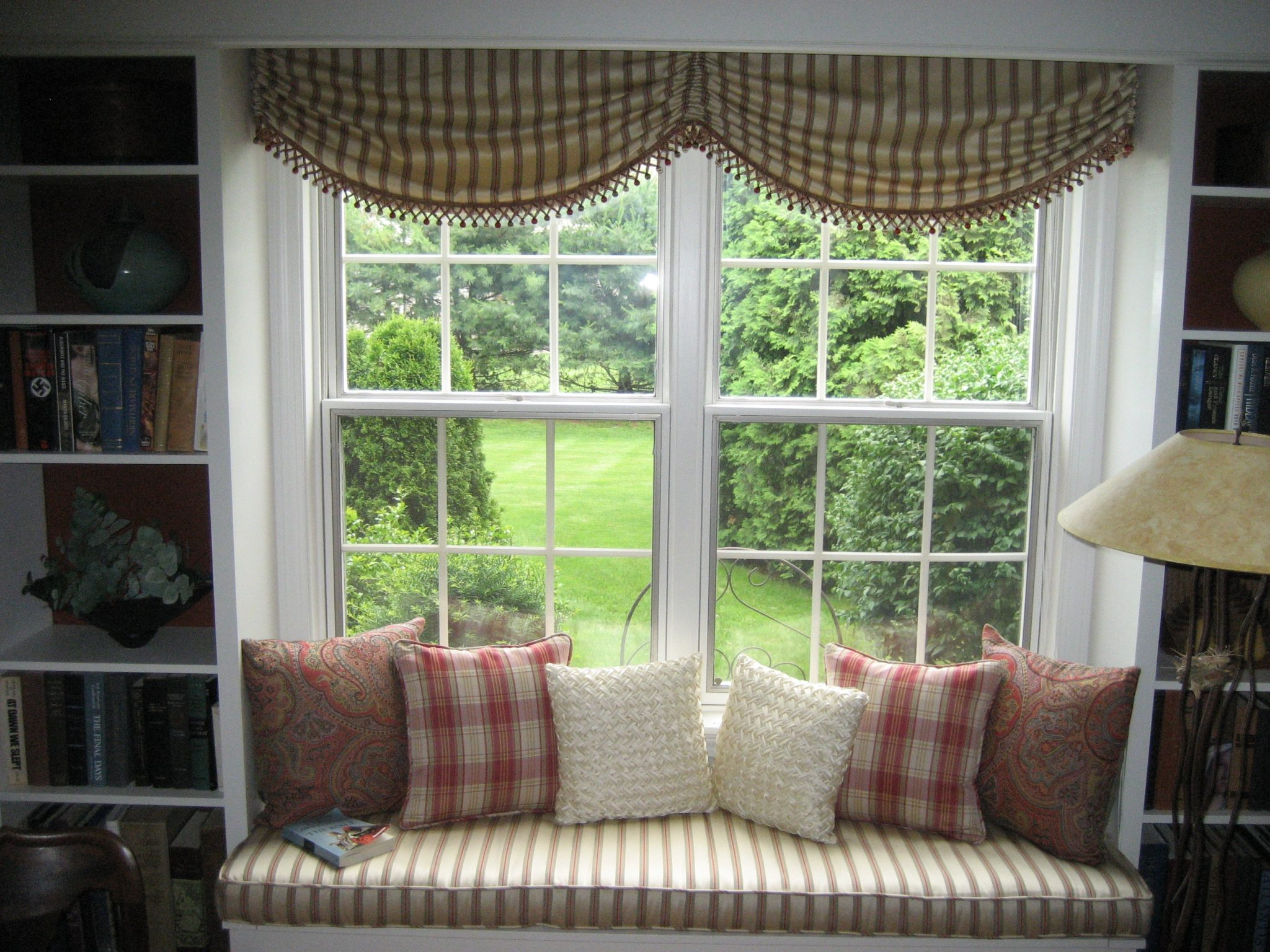 Window-seat-reading-nook-with-a-scenic-view