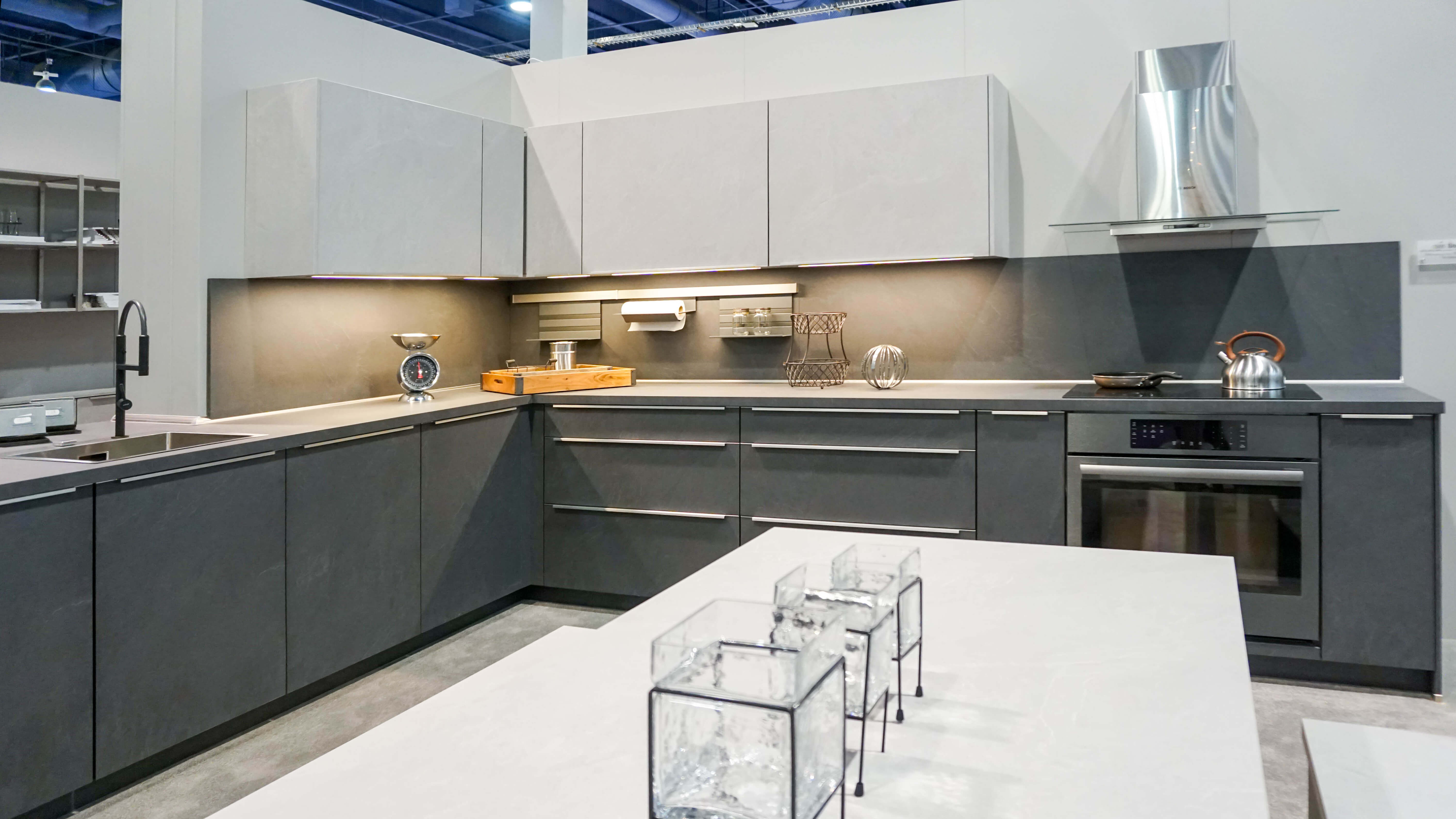 The clean sleek look of the all white monochromatic kitchens used to be everywhere in kitchen design praised for its simplicity and serene look